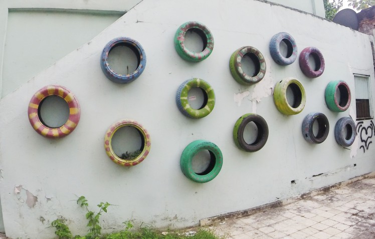 wall_tires